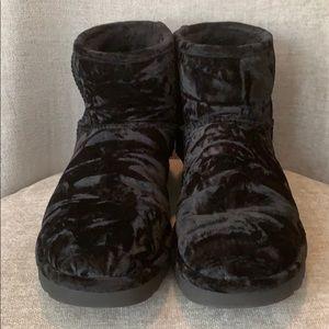 Ugg - Classic Mini Black Crushed Velvet - Size 12